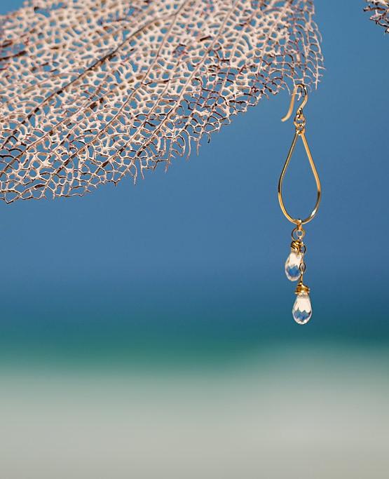 gold-earrings-crystal-jewelry