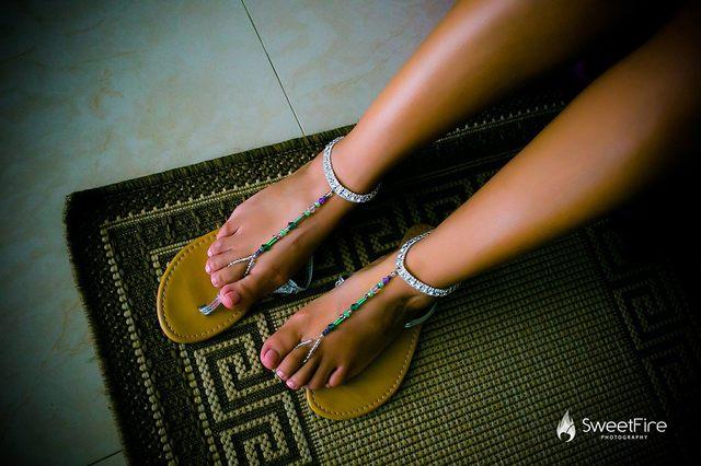 beach-barefoot-sandals-Chelsea-Bond-Jewelry