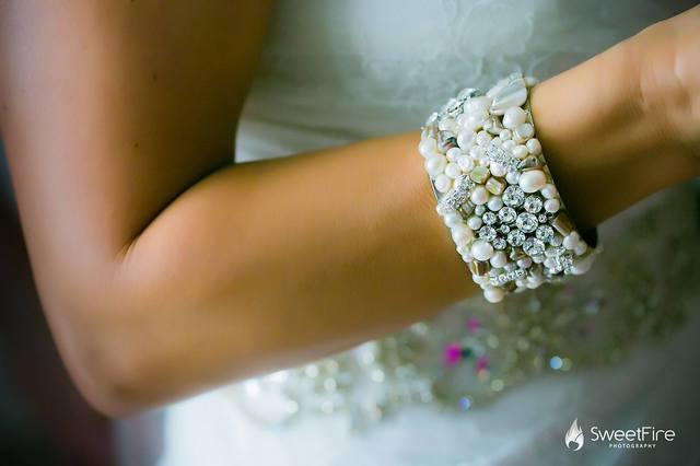 rhinestone-pearl-wedding-bracelet-chelsea-bond-jewelry