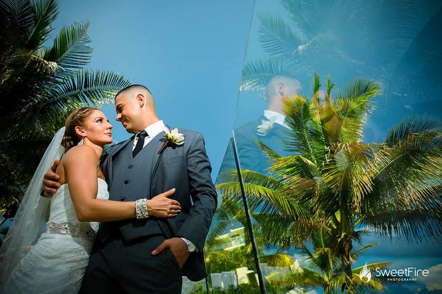 wedding-jewelry-tropical-wedding-chelsea-bond-jewelry