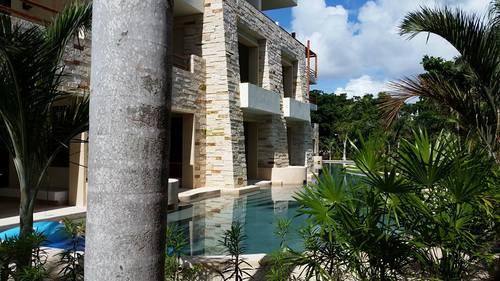 Swim up suites at Secrets Akumal Riviera Maya