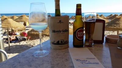 drinks-on-the-beach-in-estoril