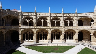 inside-the-monastery-of-jeronimos