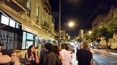 line-outside-of-cervejeria-ramiro