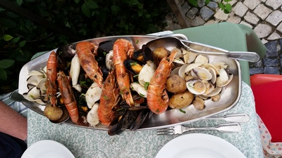 fresh shellfish in cascais