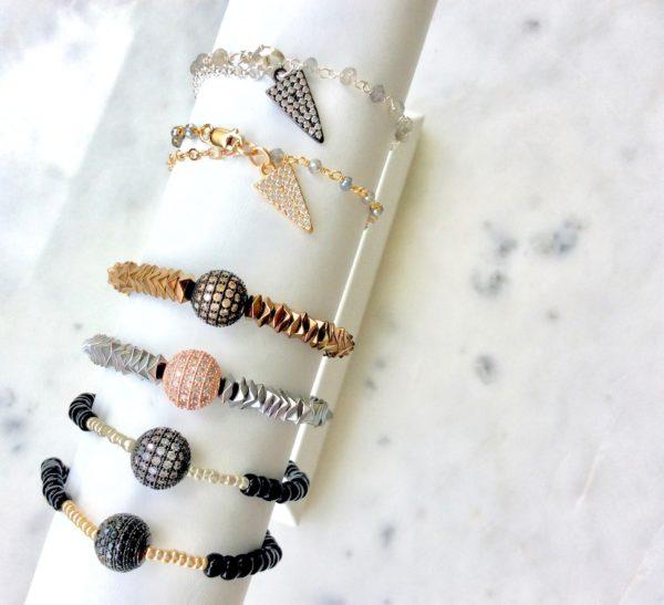 bracelets-holiday-copy-min
