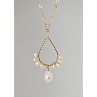 wedding necklace with pearls